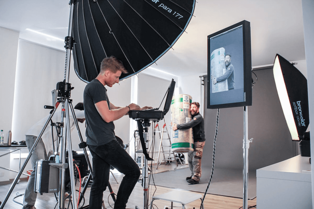 01_behind_the_scenes_play_by_synektar_b2b_agentur_muenchen